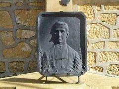 La plaque de fonte portant l'effigie d'Emile Thierry a été volée
